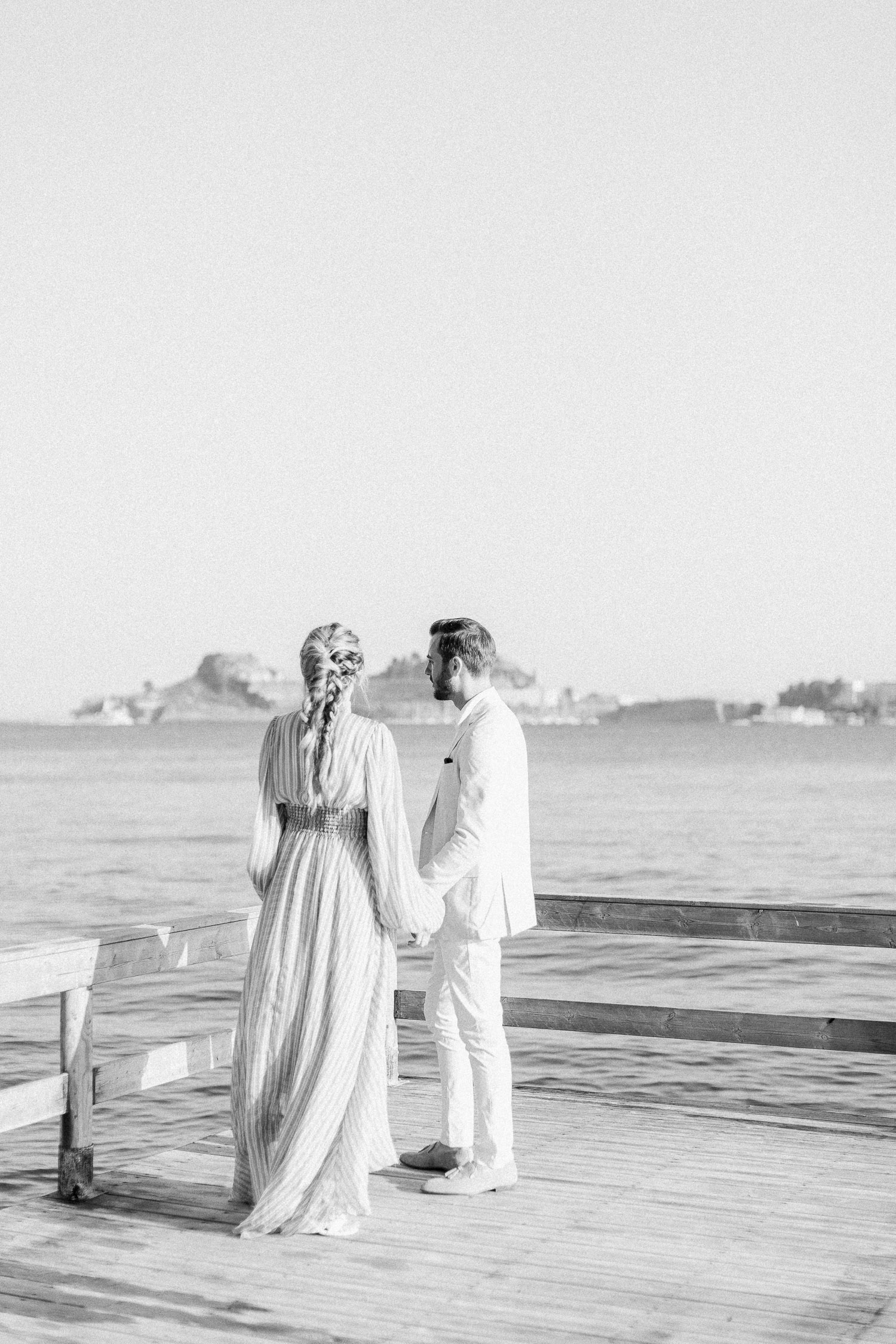 fine art engagement session at Corfu island, black & white portrait