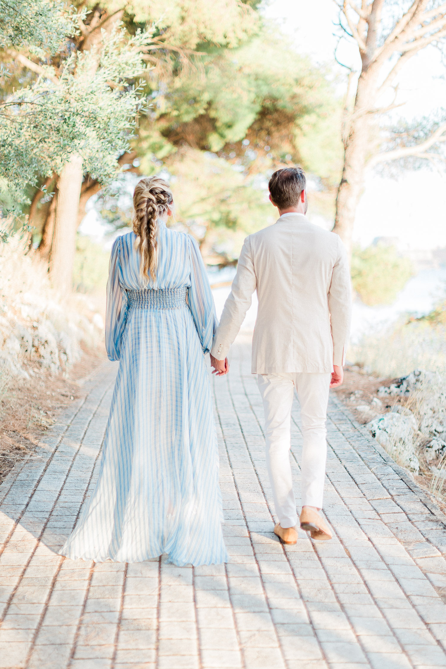 romantic couple while pre wedding shoot at Corfu island