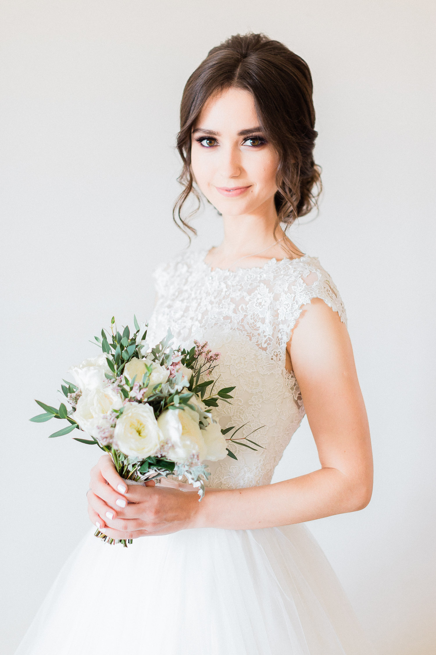 bride looks happy while her wedding in Halkidiki