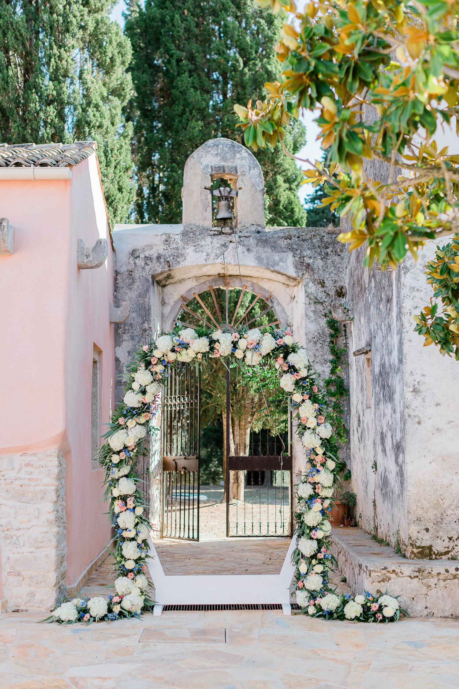 Traditional corfu estate wedding