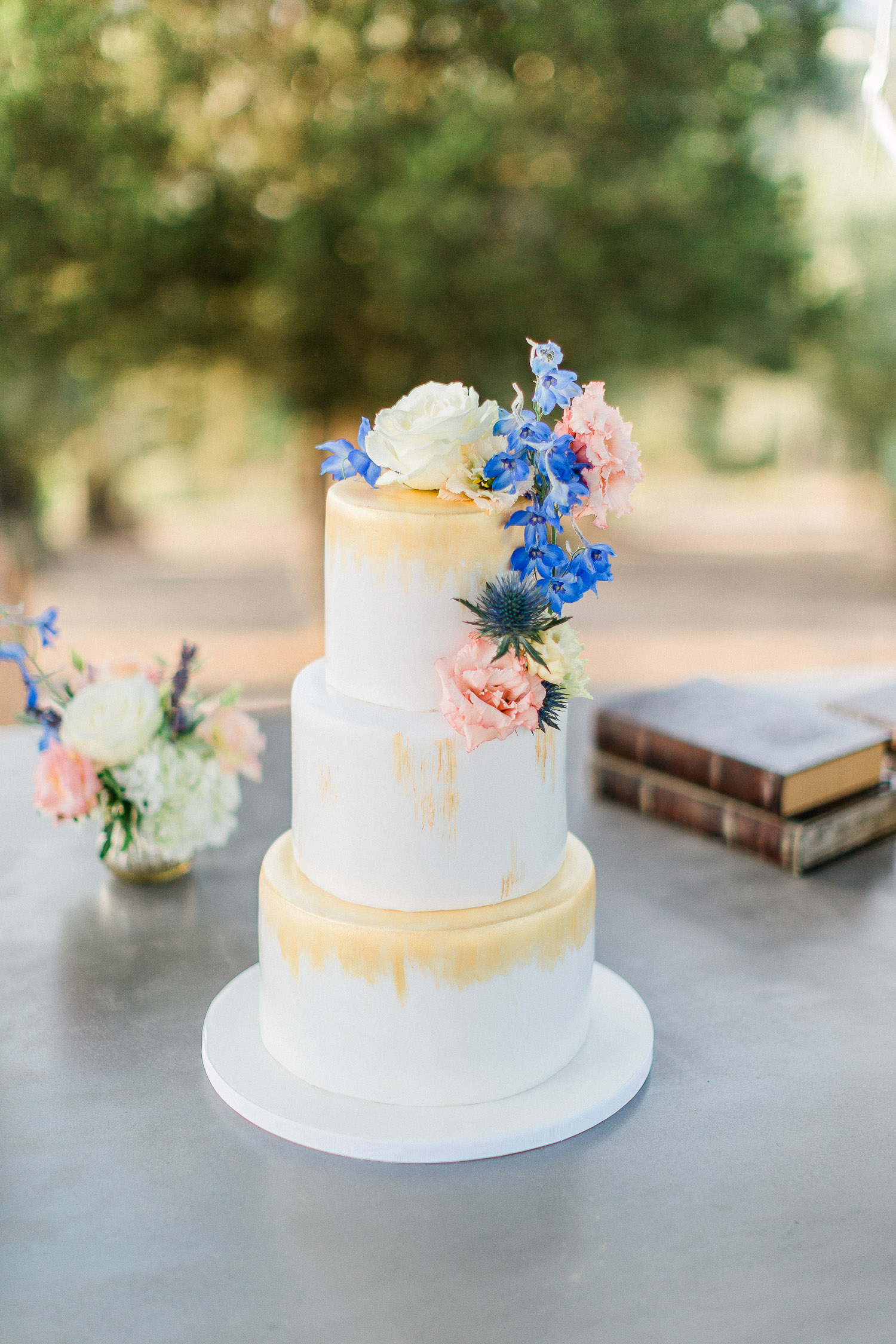 wedding cake on this Traditional corfu estate wedding