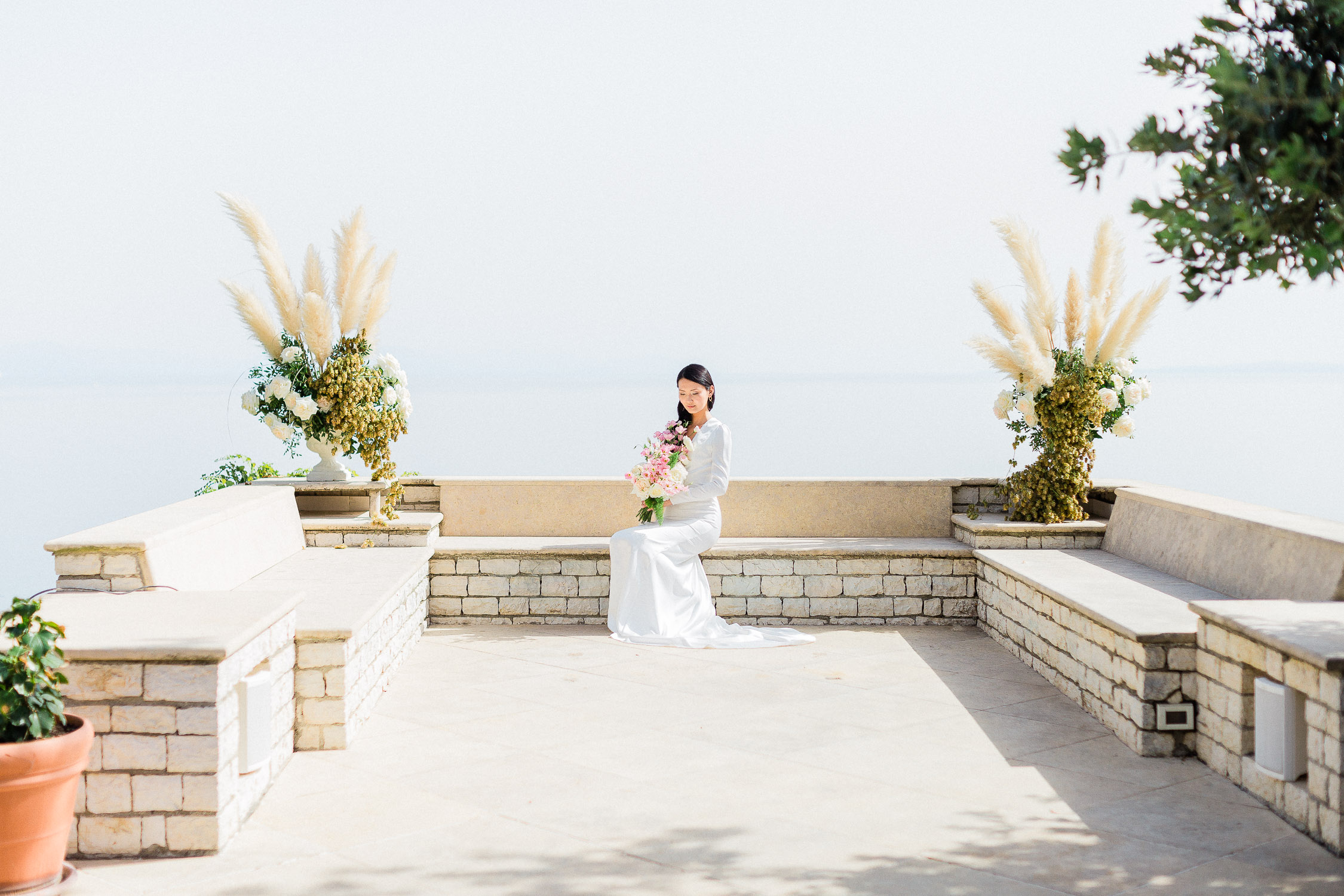 A gorgeous bride on a royal style wedding at Corfu island
