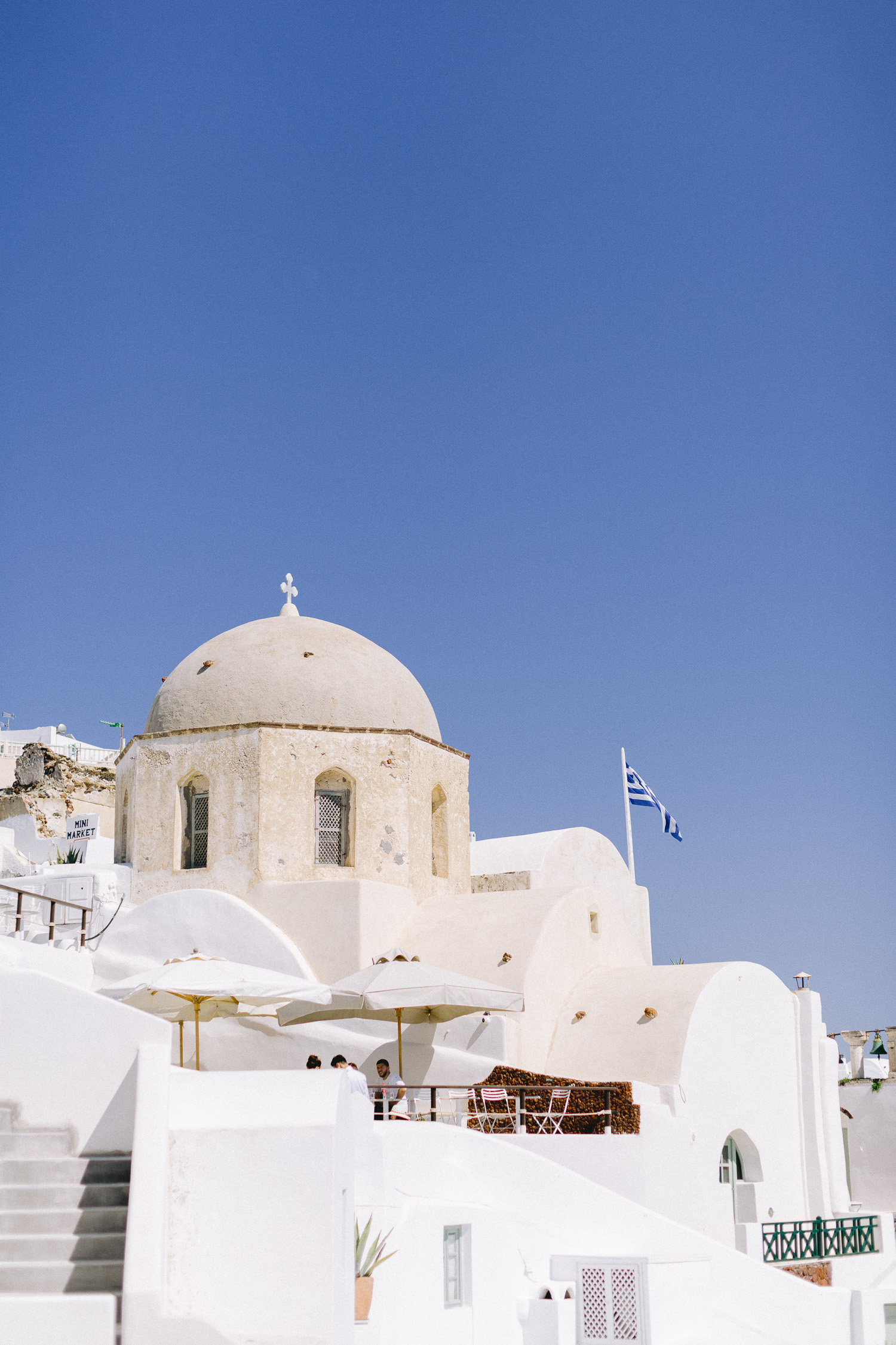 Lovely wedding photography location at the old town of Santorini island