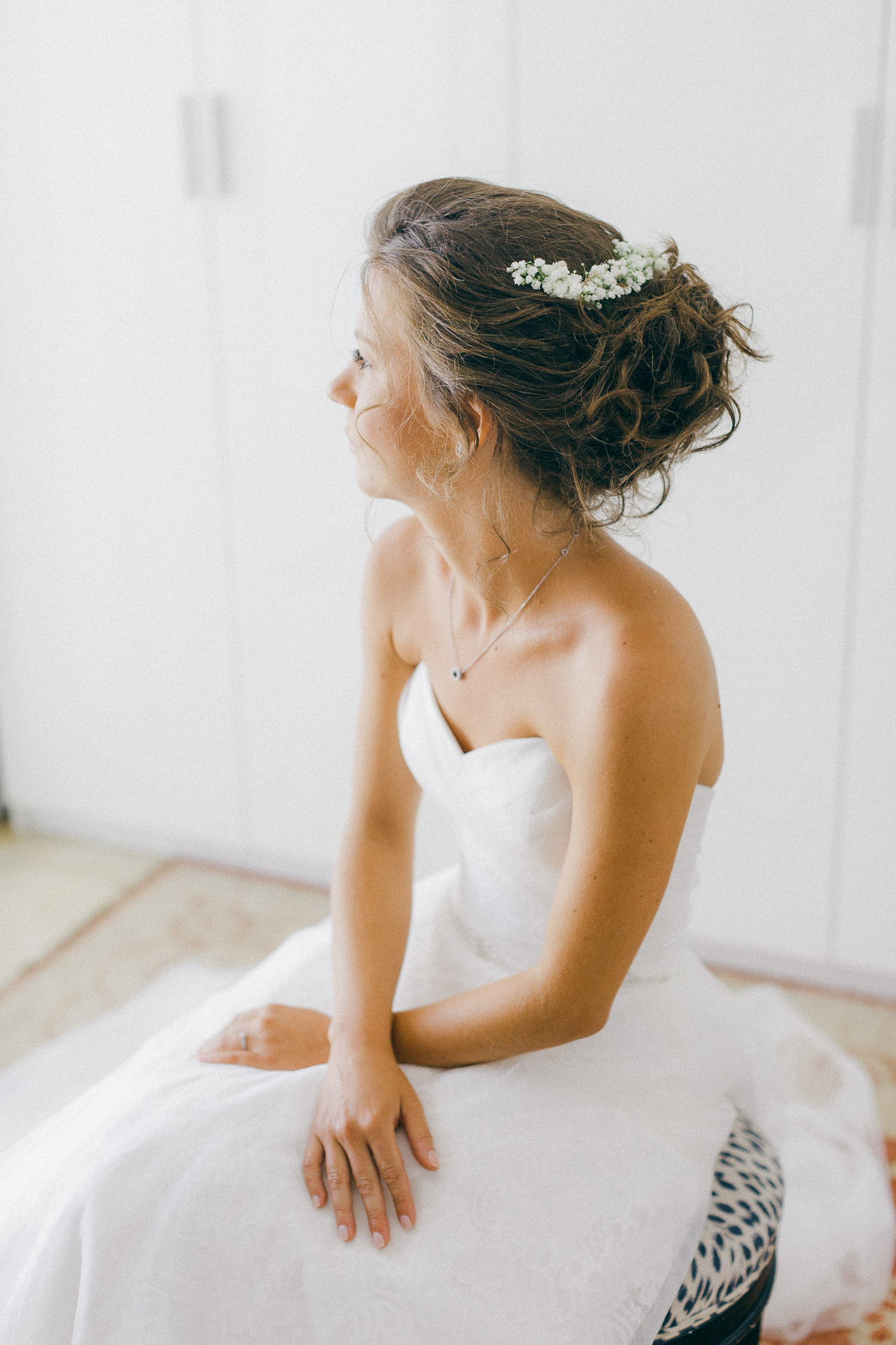 Fairytale bridal hairstyle at an Old World micro wedding in Corfu Isalnd