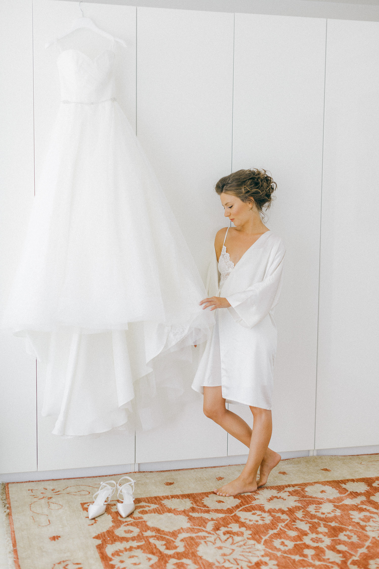 Our stunning bride preparation at an Old World micro wedding in Corfu